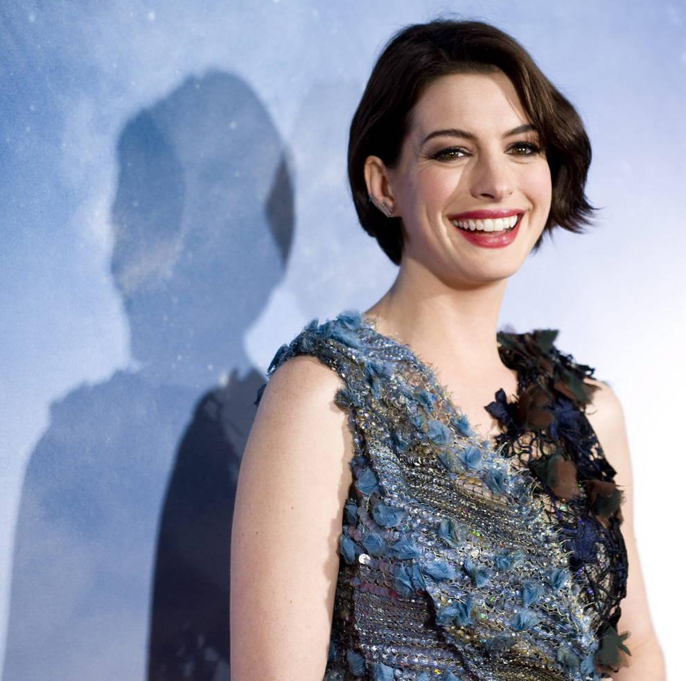Anne Hathaway Hijo: Anne Hathaway Negocia Protagonizar La Película Sobre