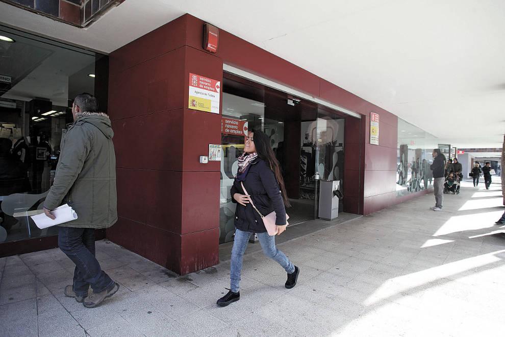 Tudela un proyecto busca el acceso al empleo de 400 for Oficina turismo tudela