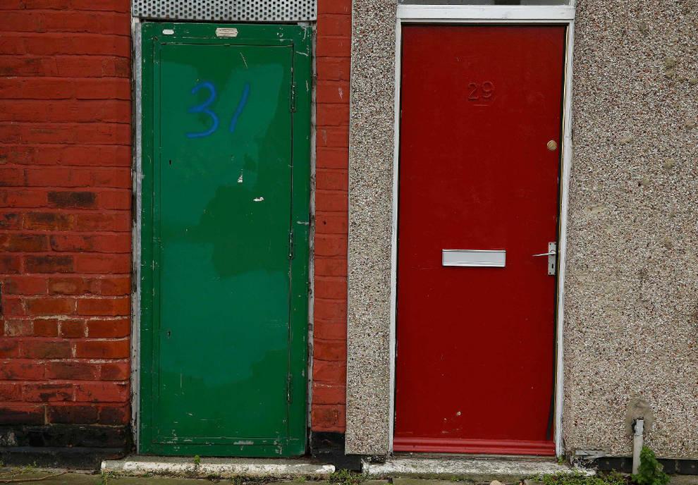 Reino Unido - Puertas rojas para marcar a los refugiados en Reino ...