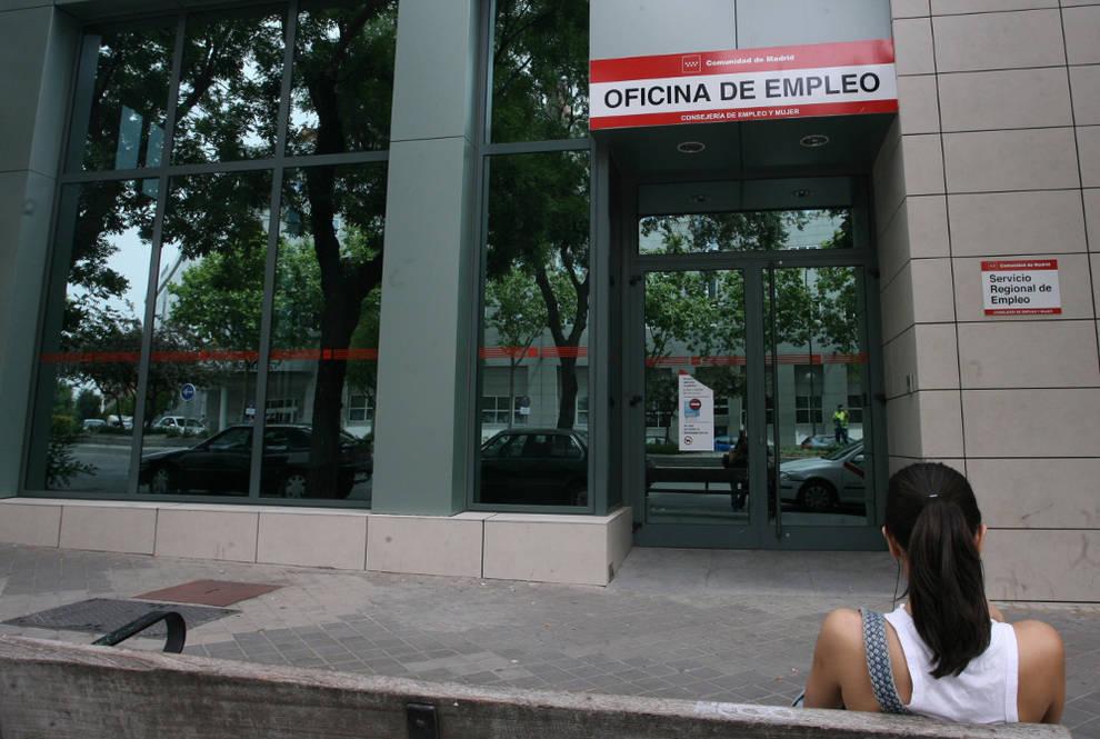 Empleo el 95 de los universitarios cree que el paro es for Oficinas de la seguridad social en madrid