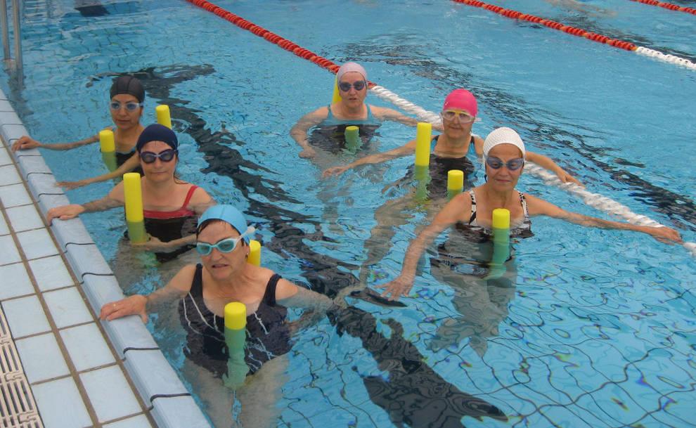 Pamplona abierto el plazo para la inscripci n en cursos for Piscina de natacion
