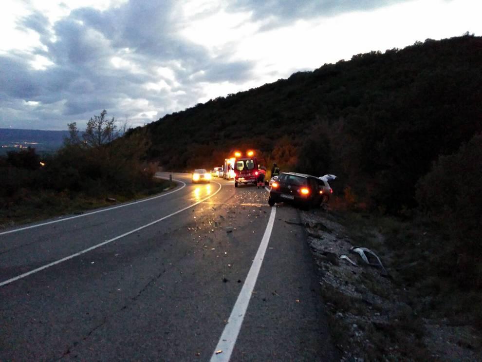 Accidente de tráfico en Bigüezal (1/7) - Accidente de tráfico en Bigüezal - Sucesos -