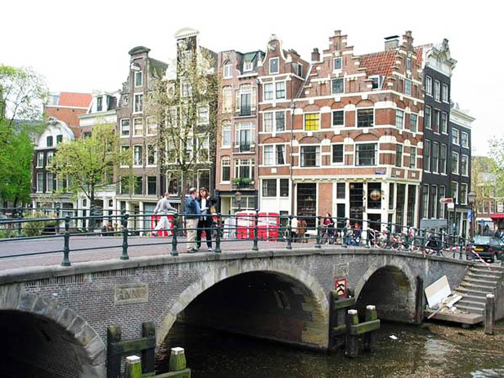 Holanda muere en amsterdam por beber demasiada agua tras for B b ad amsterdam centro