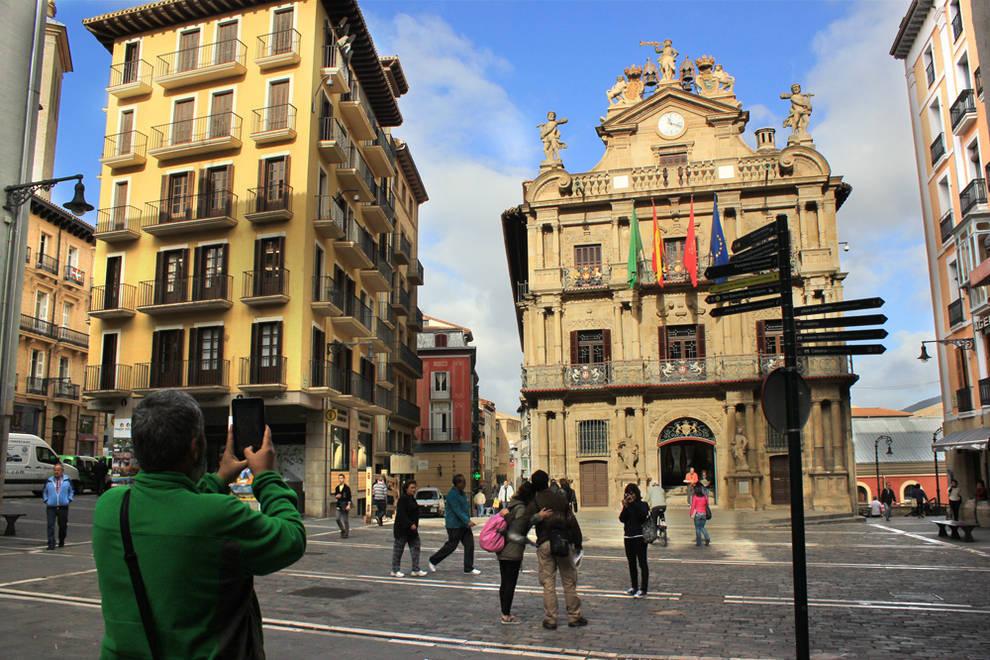 Turismo pamplona los datos de septiembre confirman el for Oficina turismo pamplona