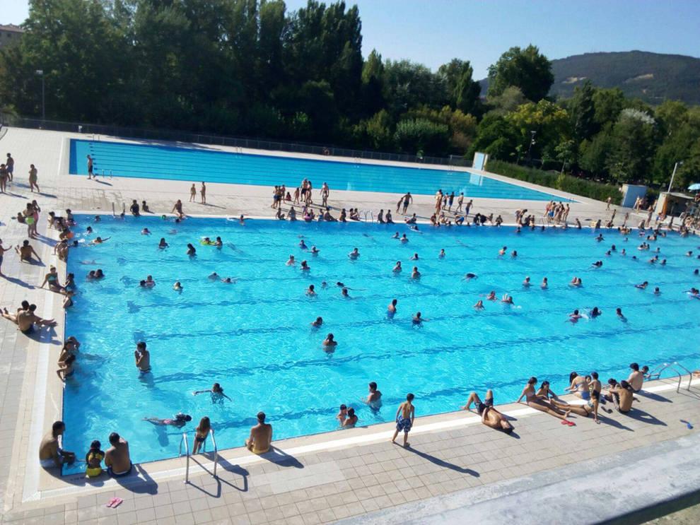 Dnplus cierre de una piscina de aranzadi por motivos for Piscinas cubiertas tudela
