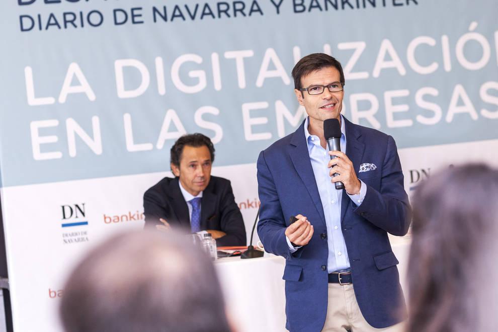 """Desayuno DN-Bankinter 2 (1/45) - 150 representantes del tejido empresarial navarro participaron en el desayuno de trabajo """"La digitalización de las empresas"""", organizado por Diario de Navarra y Bankinter. - Contenidos -"""