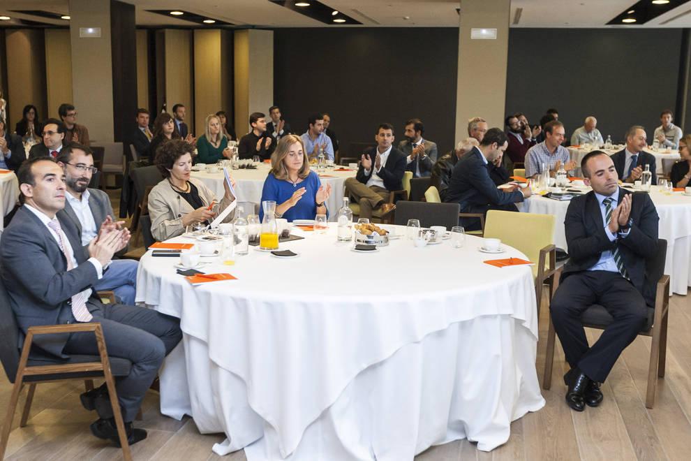 """Desayuno DN-Bankinter 4 (1/51) - 150 representantes del tejido empresarial navarro participaron en el desayuno de trabajo """"La digitalización de las empresas"""", organizado por Diario de Navarra y Bankinter. - Contenidos -"""