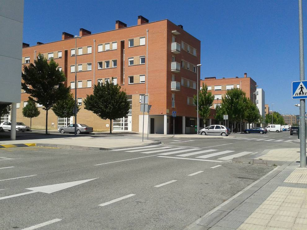 Pisos municipales ocupados en Buztintxuri (1/6) - Pisos municipales en Buztintxuri llevan meses ocupados ilegalmente - Pamplona -