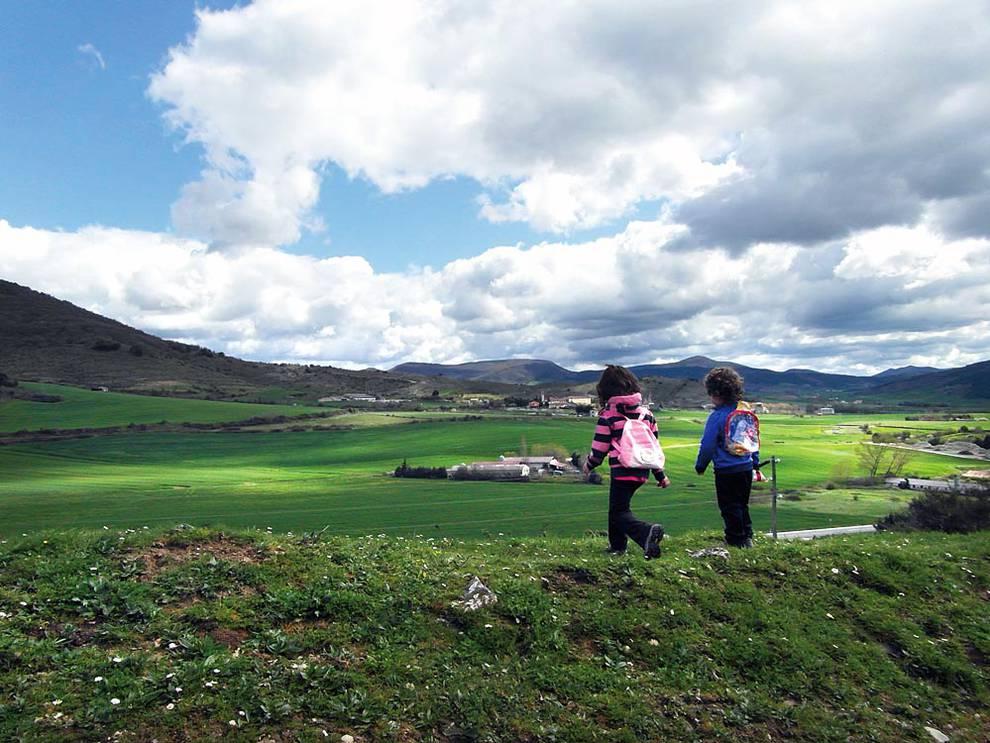 Rutas de senderismo con niños en Navarra, senderismo en familia