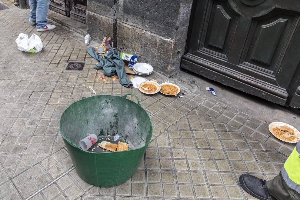 Desalojo del edificio del Paseo de Sarasate (1/17) - Tres detenidos y siete heridos en el desalojo de un edificio en el Paseo de Sarasate - Pamplona -