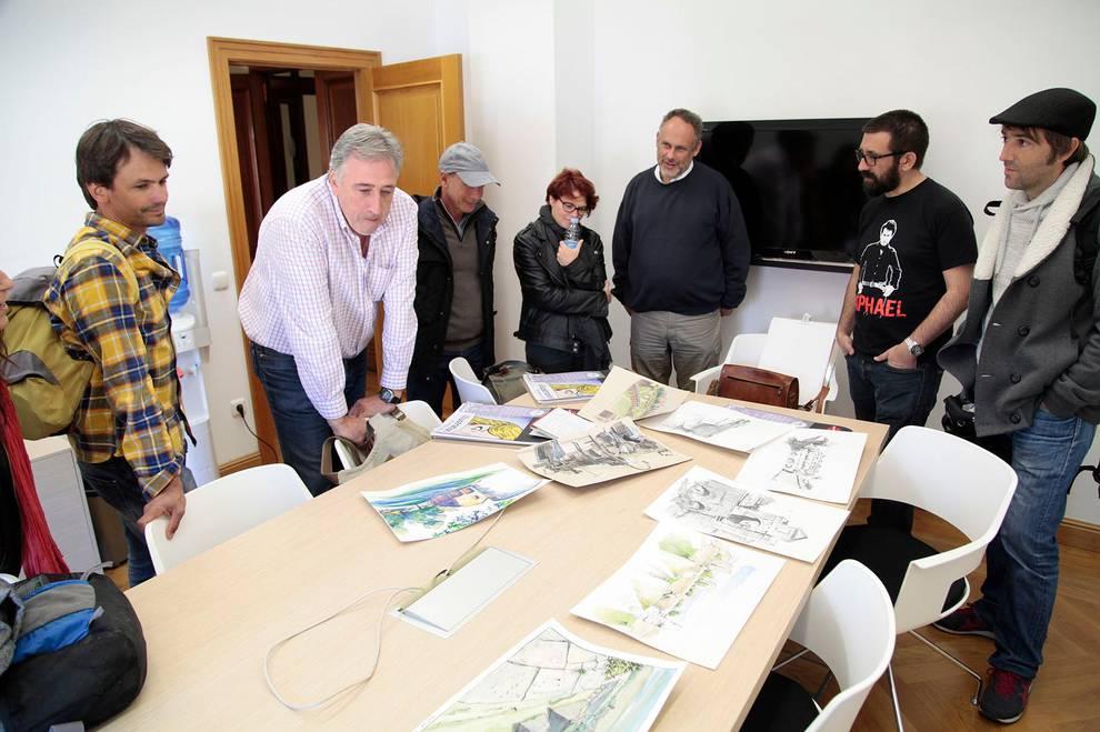 El proyecto Creacity llega a Pamplona. (1/6) - Seis sketchers (dibujantes 'in situ') participan en un programa entre Pamplona, Hondarribia y Bayona. - Pamplona -