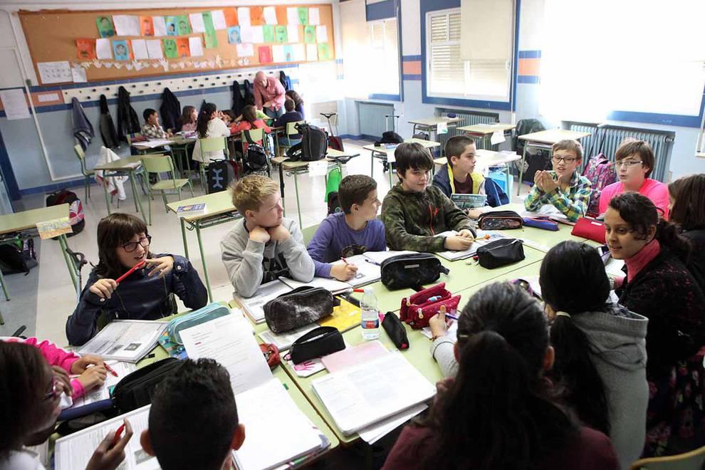 Colegio Elvira España (1/20) - Estudiantes del colegio Elvira España - Navarra -