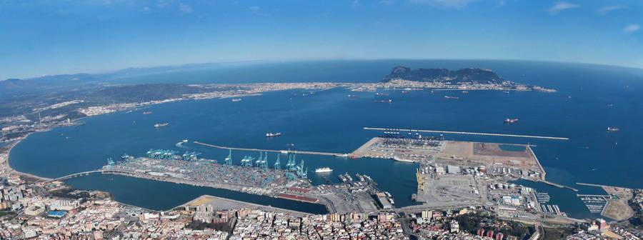567 kilos de hachis foltando en el puerto de algeciras noticias de sucesos en diario de navarra - Puerto de algeciras hoy ...
