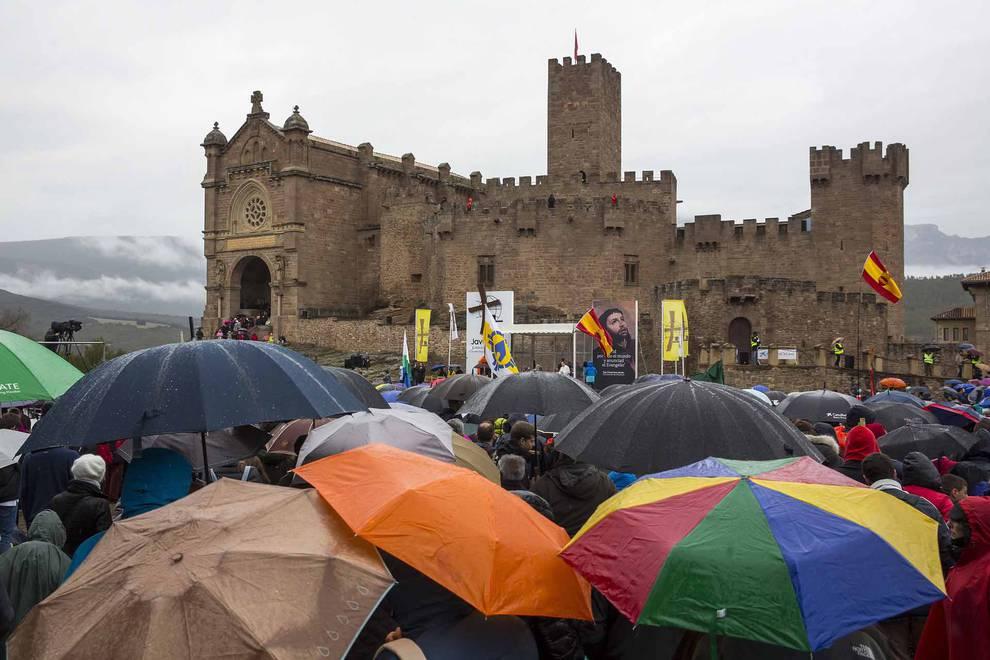 Misa en la explanada del castillo de Javier (1/33) - Fotografías de la primera Javierada de 2017 (5 de marzo). - Navarra -