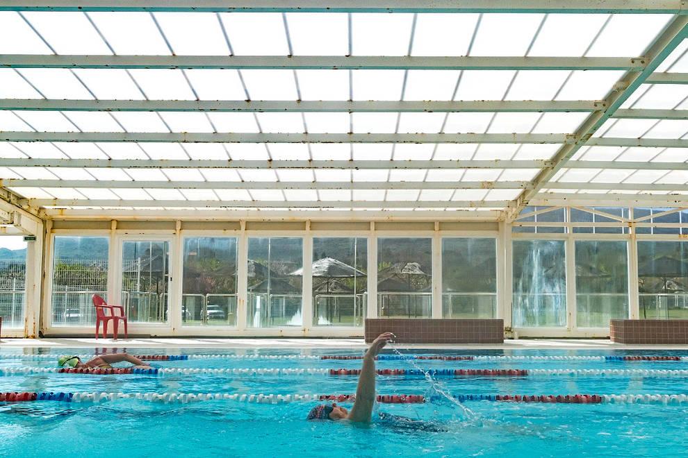 Ayegui se olvida de piscina exterior por alto coste de for Piscinas cubiertas tudela