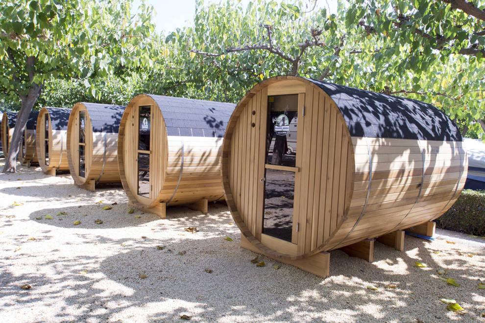 El lujo y el glamour llegan al camping espa ol noticias for Camping con piscina climatizada en tarragona