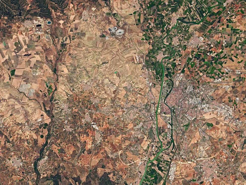 Así se ven Madrid, Barcelona, Valencia y Sevilla desde el espacio (1/4) - Imágenes de Madrid, Barcelona, Valencia y Sevilla sacadas desde el espacio por un astronauta de la Agencia Espacial Europea. - Ciencia -
