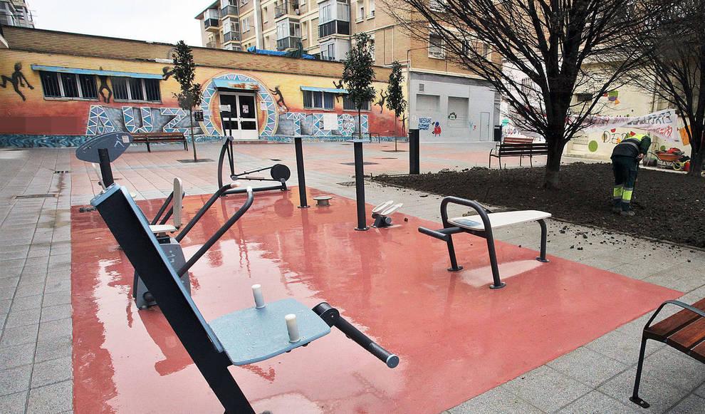 Plazas libres en pamplona en gimnasios al aire libre para for Gimnasio 60 entre 8 y 9