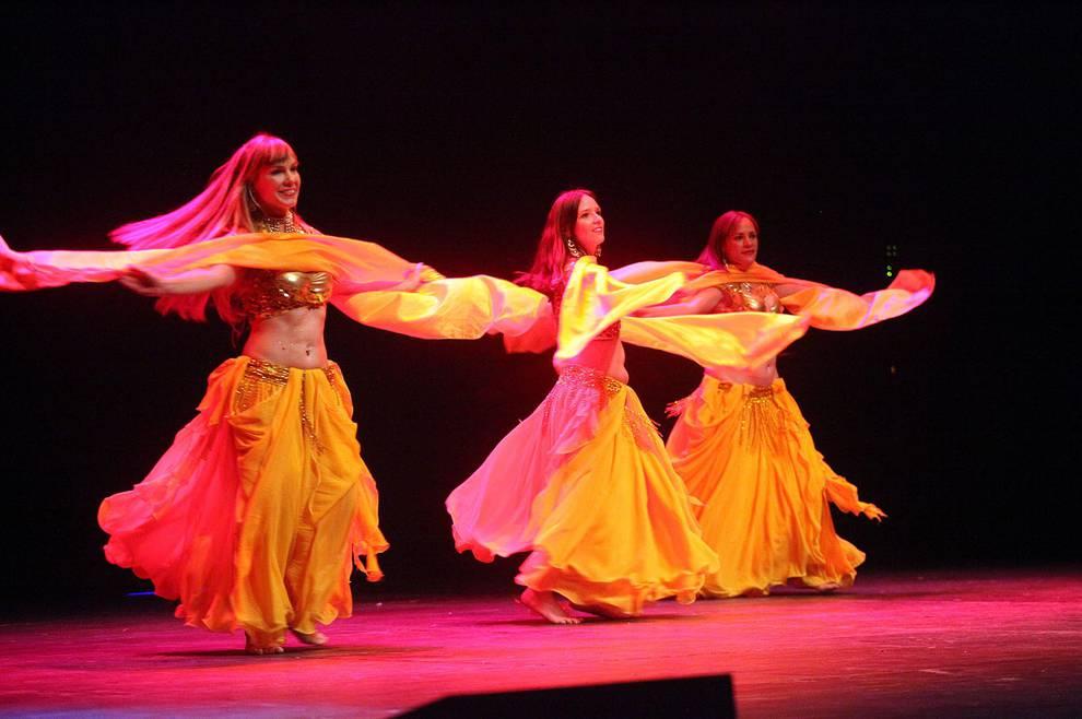 Día Internacional de la Danza en el Teatro Gaztambide de Tudela (1/16) - Fotos de nueve colectivos de la ciudad actuaron el 1 de mayo ante más de 200 personas. - Tudela y Ribera -