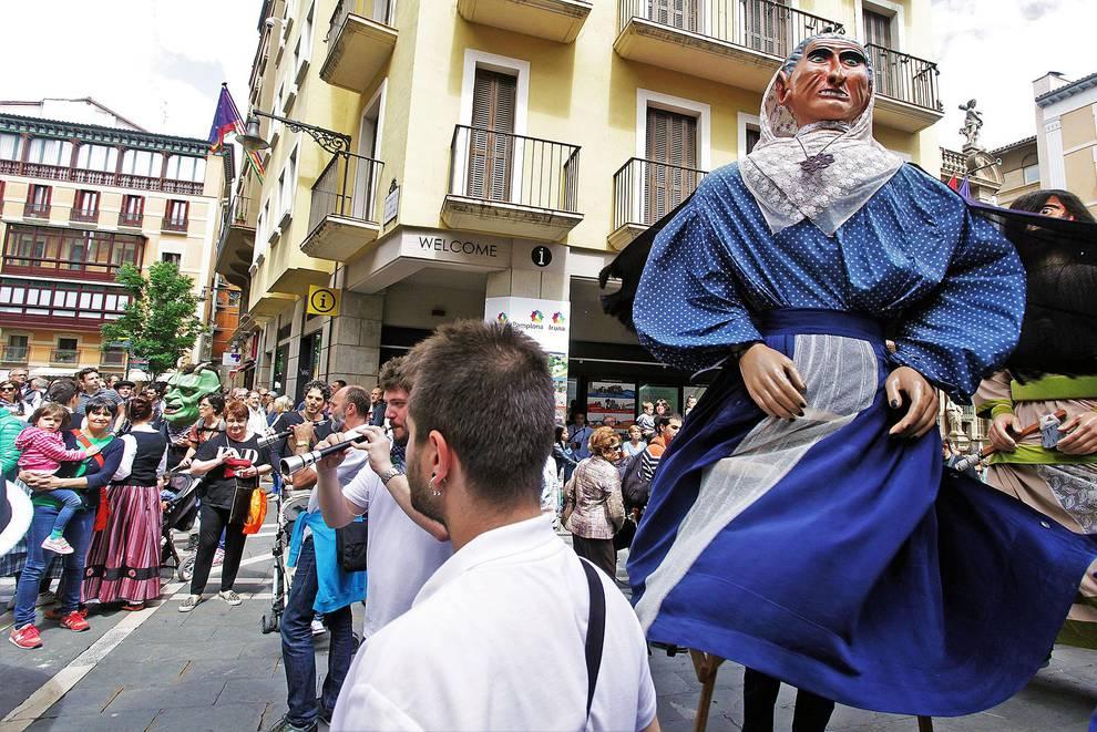 Gigantada en el Caso Antiguo de Pamplona (1/6) - Iruñerriko Euskal Jai - Pamplona -