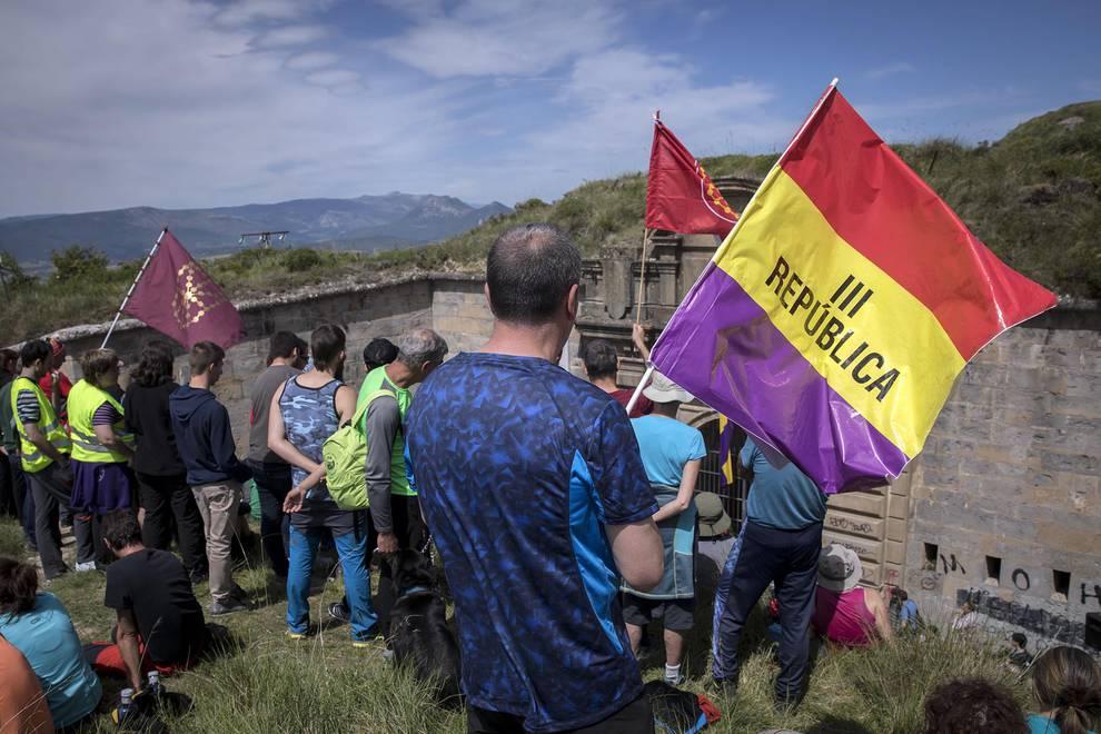 79 aniversario de la fuga del Fuerte San Cristóbal (1/23) - Miles de personas conmemoraron el intento de fuga del fuerte en el que participaron 795 presos - Destacados -