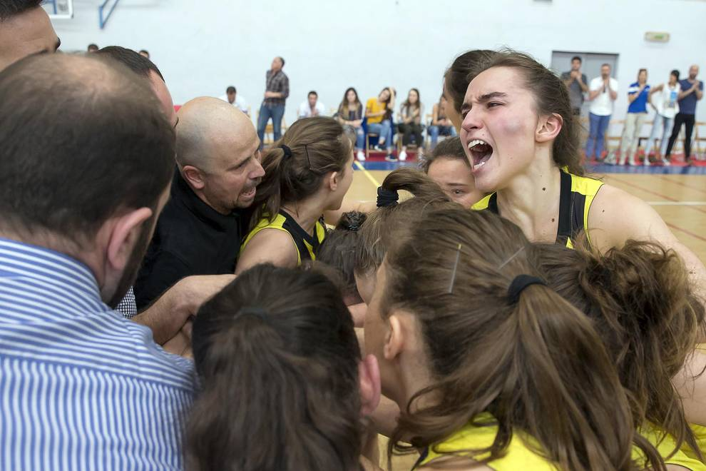 Se escapa el ascenso al Lagunak Lakita (1/15) - Las chicas de Barañáin perdieron el encuentro de tercera jornada de la fase de ascenso a la LF2 contra el conjunto asturiano de Ascensores Tresa. - Baloncesto -
