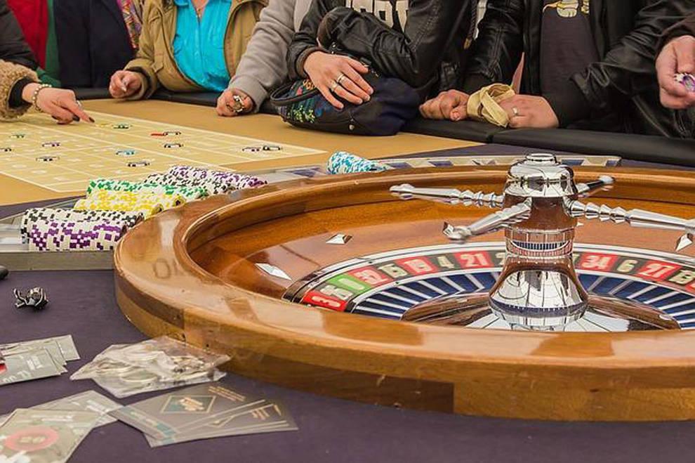 Poker s