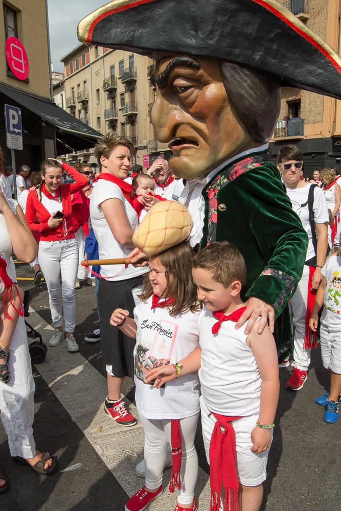 Recorrido de la Comparsa el 9 de julio de 2017 (1/112) - Imágenes de los Gigantes y Cabezudos este domingo en Pamplona. - San Fermín -