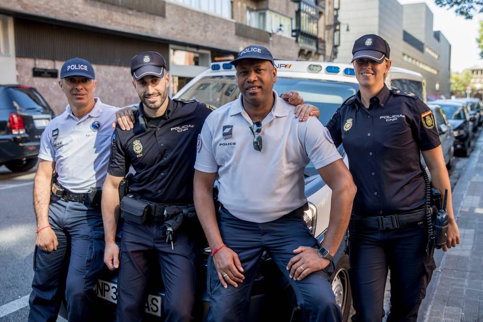 Agentes franceses colaboran con la polic a nacional en san for Oficina policia nacional