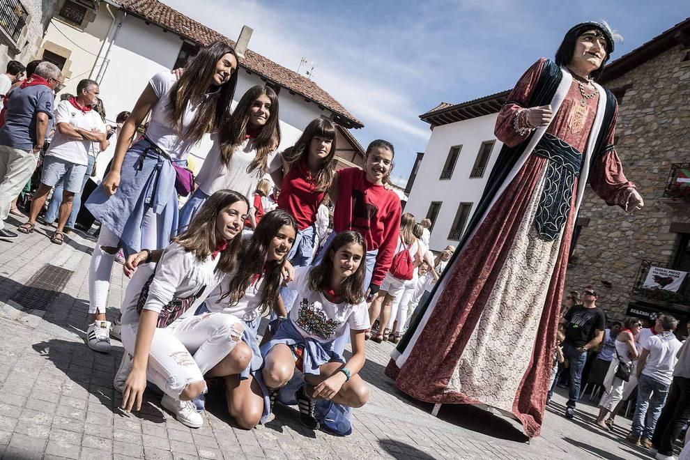 Olazagutia da inicio a sus fiestas (1/22) - Imágenes de las fiestas de Olazagutia - Zona norte -