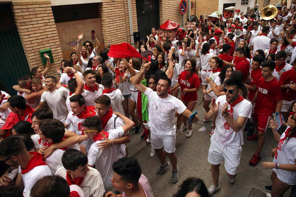 Chupinazo de las fiestas de Cintruénigo (1/36) - Imágenes del primer día de fiestas 2017. - Tudela y Ribera -