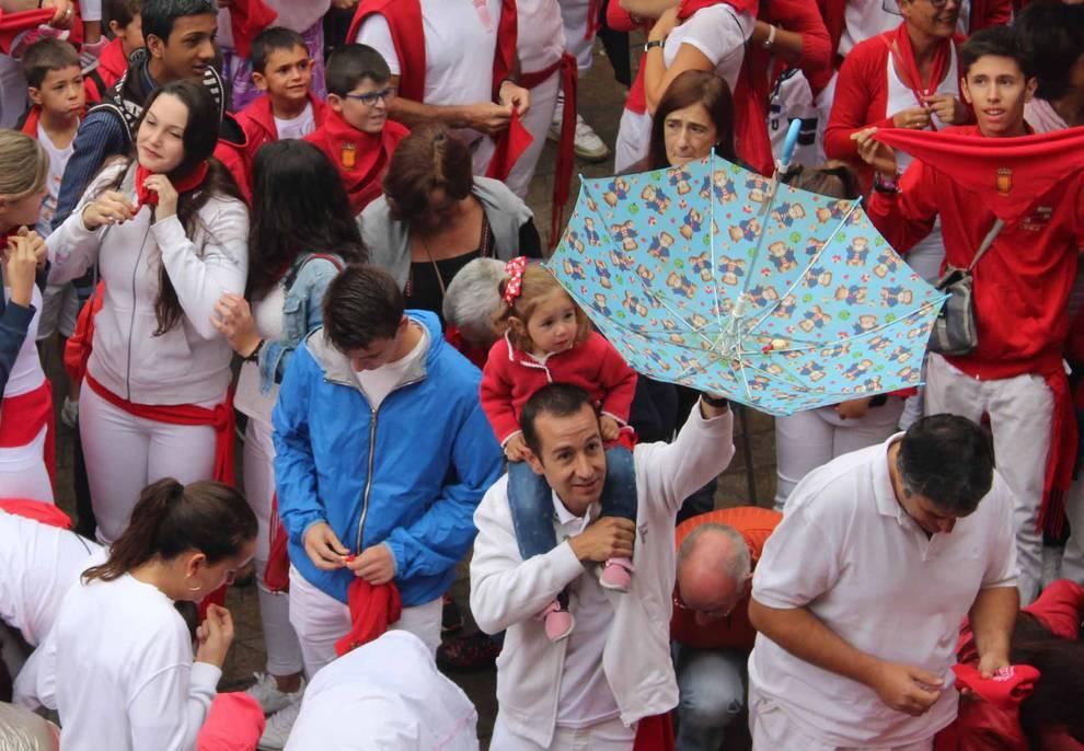 Chupinazo de Viana (1/13) - Imágenes del primer días de fiestas de Viana. - Tierra Estella -