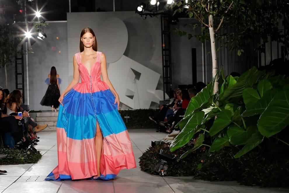 Desfile de Carolina Herrera en Nueva York (1/15) - El color se apodera de la pasarela de Carolina Herrera en Nueva York - Moda -