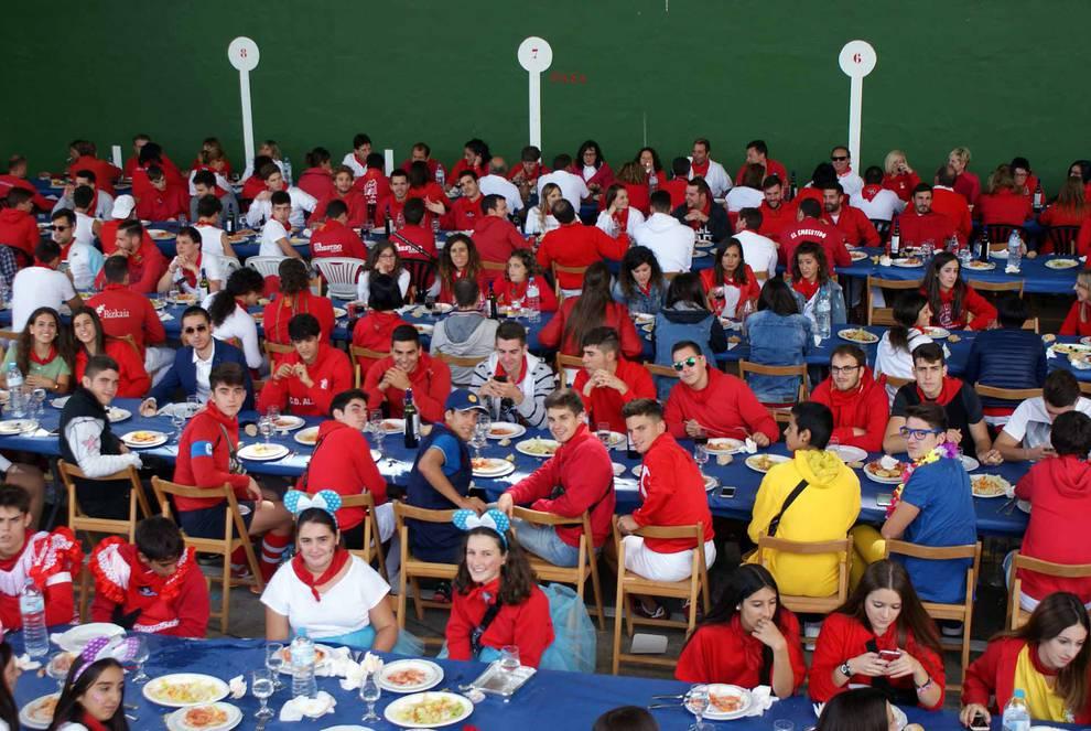 Día de las Peñas de Cascante (1/6) - Imágenes de la celebración de la comida del Día de las Peñas de Cascante. - Tudela y Ribera -