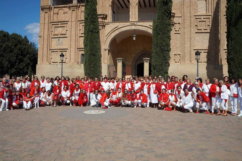 Día de las mujeres en las fiestas de Villafranca (1/12) - Fotos del Día de las mujeres en las fiestas de Villafranca - Tudela y Ribera -