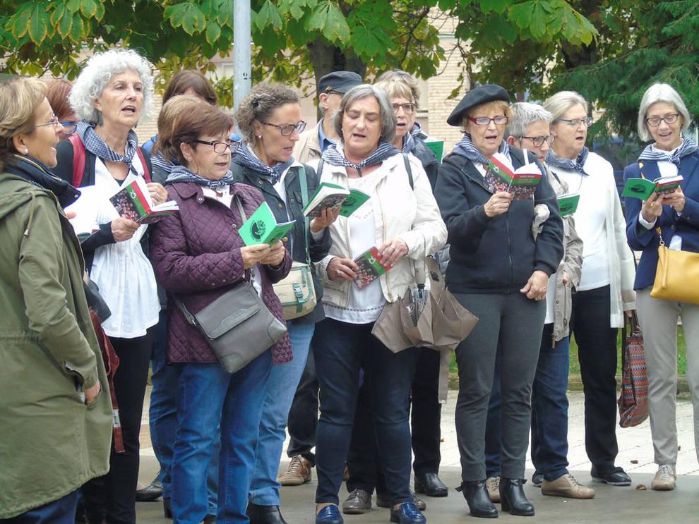 10 años de Barañaingo Euskal Kantak (1/10) - 10 años de Barañaingo Euskal Kantak - Vivir en Barañáin -