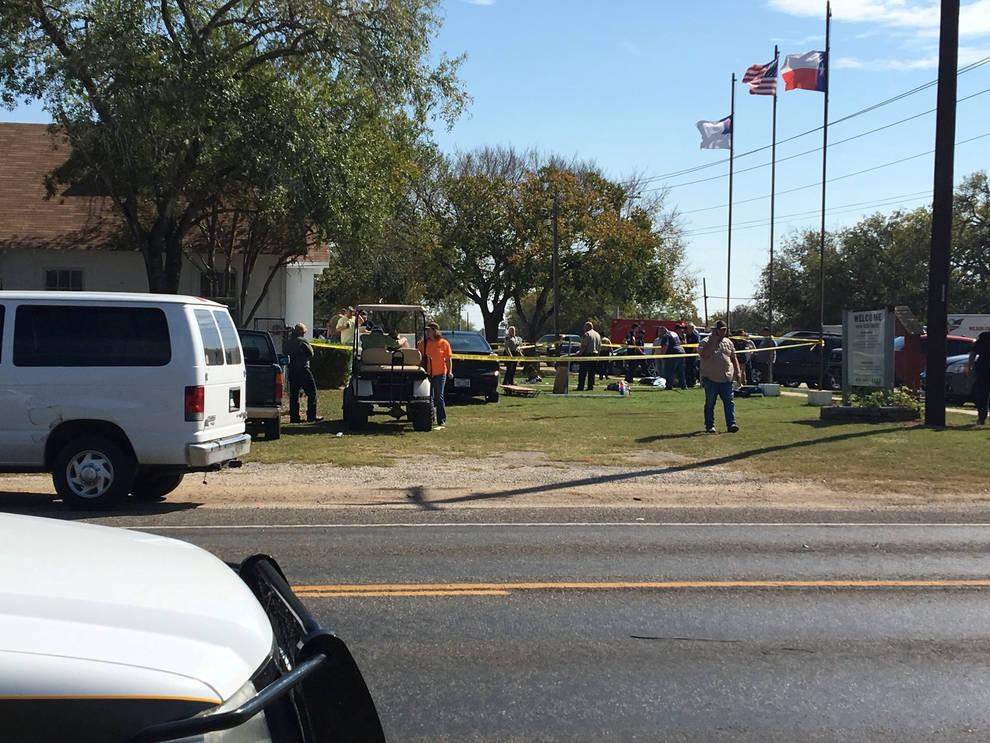 Asesinato masivo en una iglesia baptista de Texas (1/6) - Asesinato masivo en una iglesia baptista de Texas - Internacional -