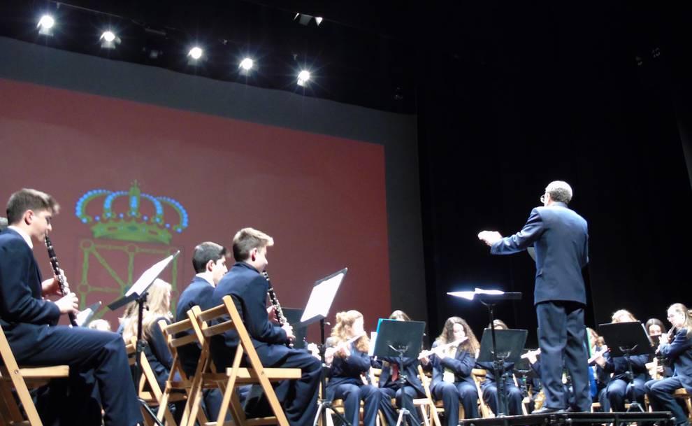 Concierto Banda Joven Escuela de Música Luis Morondo (1/5) - Concierto en el Auditorio Barañáin con motivo del Día de Navarra. - Vivir en Barañáin -