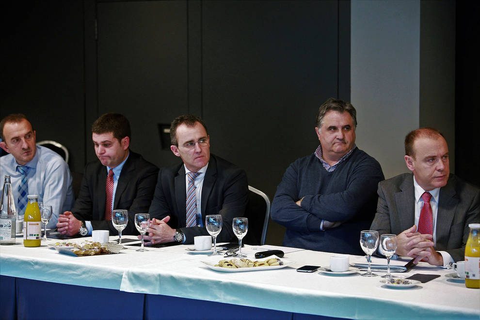 Unos 40 representantes del mundo empresarial  asistieron al encuentro.