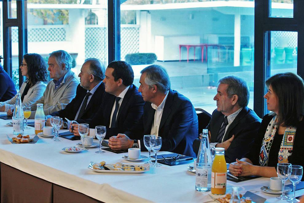 Los asistentes interactuaron con los ponentes durante las dos ponencias.