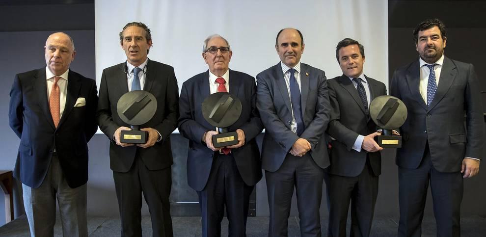 Premios Cámara Navarra 2017 (1/18) - Acto de entrega de premios a la Trayectoria Empresarial a Juan María Antoñana; la empresa Tenerías Omega recibió el premio a la Internacionalización e Industrias San Isidro, el premio a la Innovación. - DN Management -