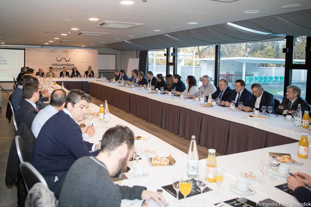 Encuentro empresarial Popular-DN 2 (1/18) - Varias decenas de directivos y empresarios asistieron a la jornada organizada por Popular y Diario de Navarra. - DN Management -