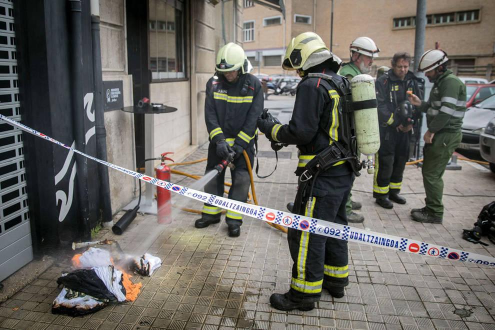 Desalojados 15 vecinos por un incendio en un bar de Pamplona ...
