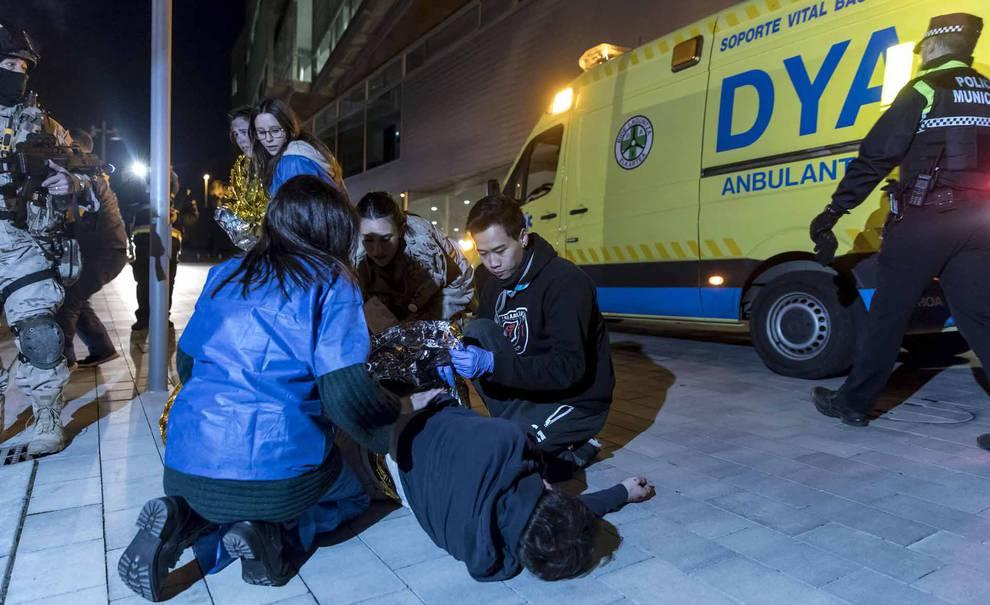 Simulacro de emergencia en la Universidad de Navarra (1/19) - Imágenes de este ejercicio, organizado por alumnos de Medicina. - Navarra -