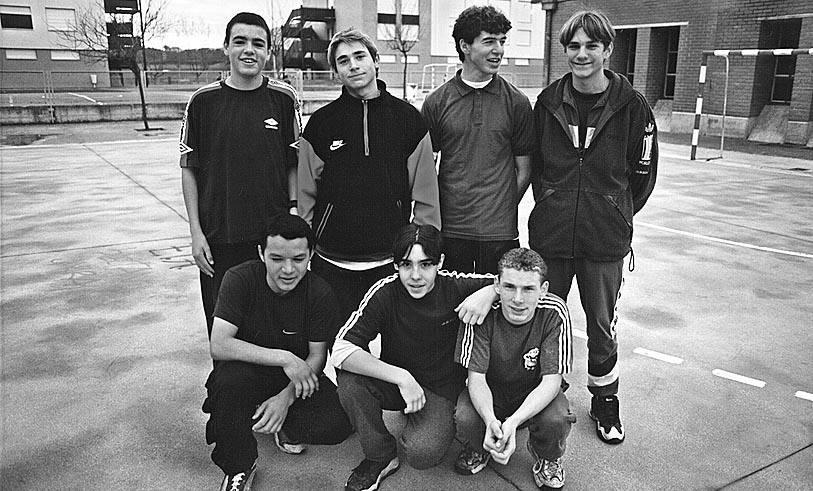 1997: torneo de futbito en Barañáin para menores de 16 años (1/4) - 1997: torneo de futbito en Barañáin para menores de 16 años - Vivir en Barañáin -