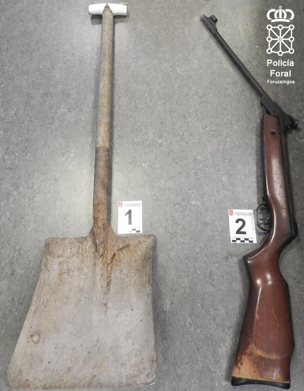Detenido por amenazar de muerte con un cuchillo a su compañera de piso en Artica