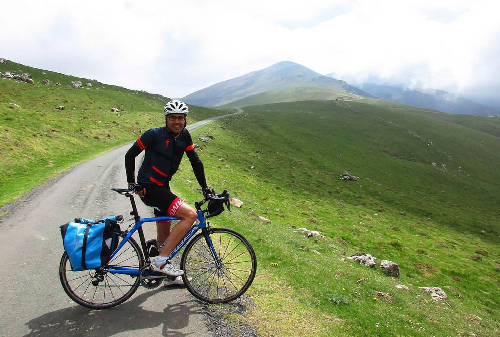 """Ander Izaguirre: """"El Pirineo funciona como un pequeño universo de historias"""""""
