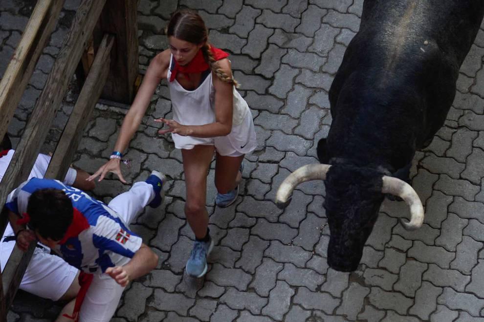 Fotos del tercer encierro de San Fermín 2018 (1/65) - Imágenes del tercer encierro de los Sanfermines 2018, protagonizado por toros de Cebada Gago. - San Fermín -