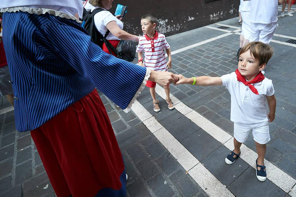 Fotos de los gigantes y cabezudos de Pamplona, 11 de julio de San Fermín 2018 (1/160) - Salida de los gigantes y cabezudos de Pamplona, 10 de julio de San Fermín 2018 - San Fermín -