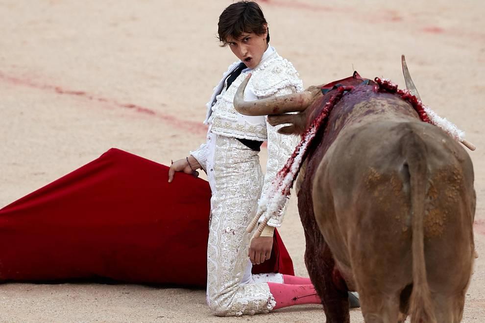 Fotos de la corrida del 11 de julio (1/70) - Faena de los toros de la ganadería de Núñez del Cuvillo para los diestros Antonio Ferrera, Roca Rey y Ginés Marín - San Fermín -